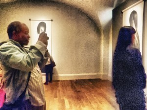 Jarvis Grant photographing Zhang Hong at the National Portarit Gallery, ©